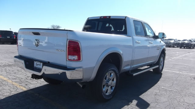 2017 Ram 3500 Crew Cab 4x4 Pickup #17-D8050 - photo 5