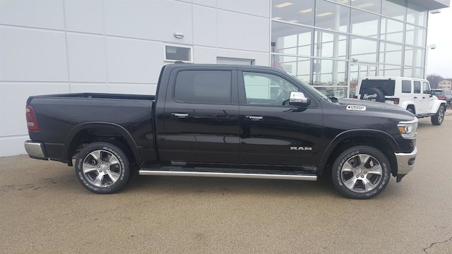 2019 Ram 1500 Crew Cab 4x4, Pickup #19-D8000 - photo 3