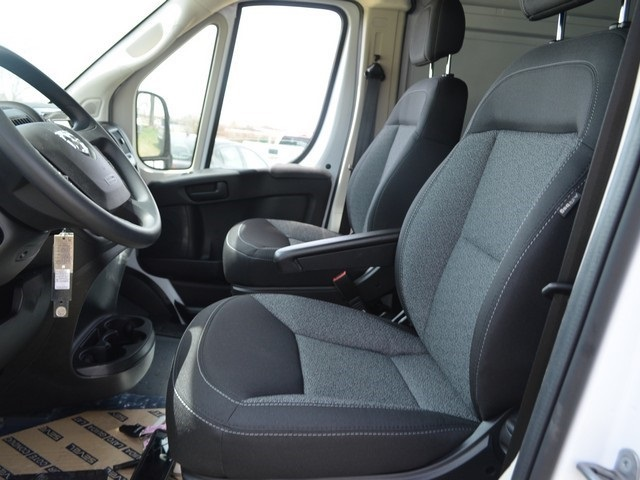 2018 ProMaster 2500 High Roof, Cargo Van #R1361 - photo 17