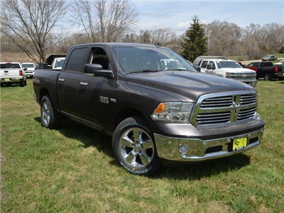 2018 Ram 1500 Crew Cab 4x4, Pickup #R1370 - photo 4