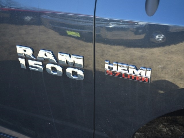 2018 Ram 1500 Crew Cab 4x4, Pickup #R1417 - photo 9
