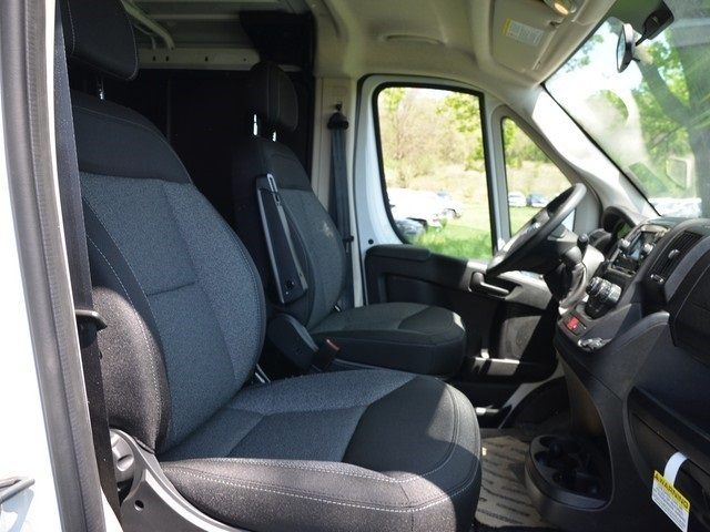 2018 ProMaster 1500 Standard Roof FWD,  Empty Cargo Van #R1444 - photo 9