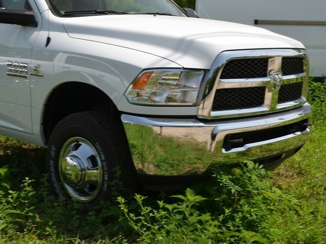 2018 Ram 3500 Regular Cab DRW 4x4,  Cab Chassis #R1510 - photo 3