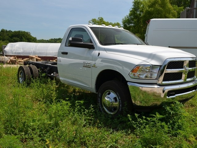 2018 Ram 3500 Regular Cab DRW 4x4,  Cab Chassis #R1510 - photo 4