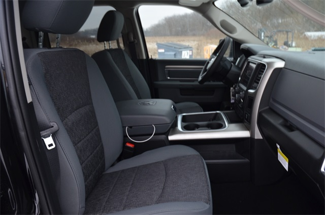 2019 Ram 1500 Crew Cab 4x4,  Pickup #R1634 - photo 9