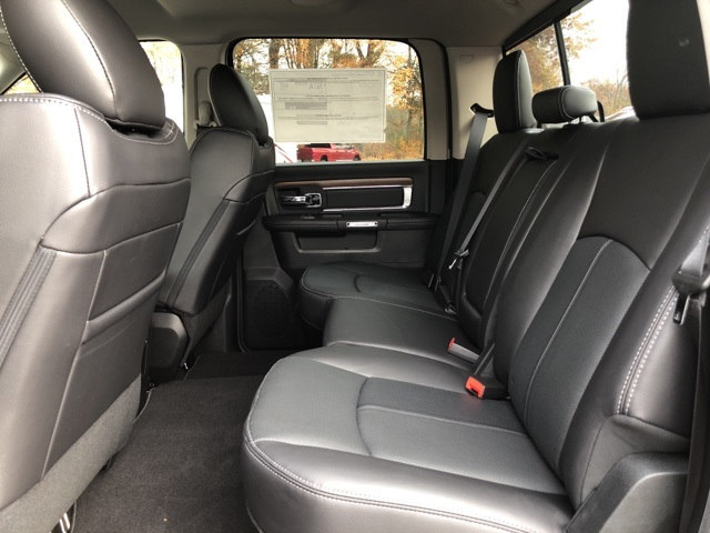 2018 Ram 3500 Crew Cab DRW 4x4 Pickup #18032 - photo 17