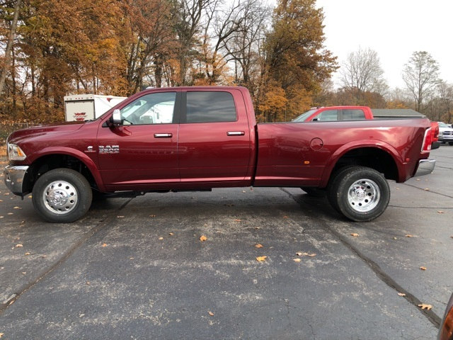 2018 Ram 3500 Crew Cab DRW 4x4 Pickup #18032 - photo 3