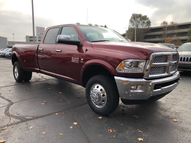 2018 Ram 3500 Crew Cab DRW 4x4 Pickup #18032 - photo 7