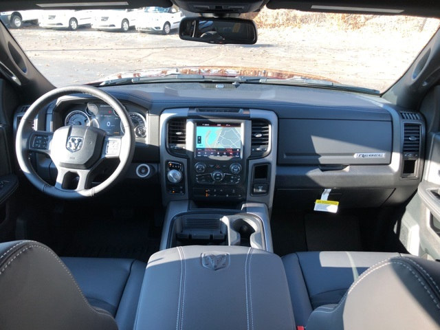 2018 Ram 1500 Crew Cab 4x4 Pickup #18046 - photo 14