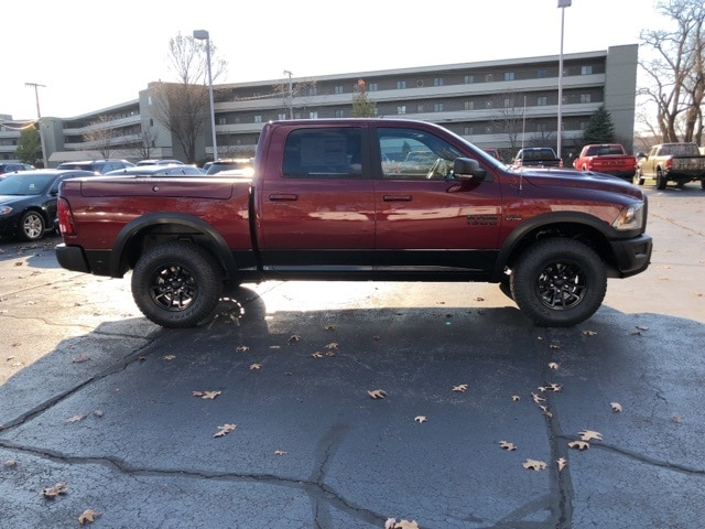 2018 Ram 1500 Crew Cab 4x4 Pickup #18046 - photo 6