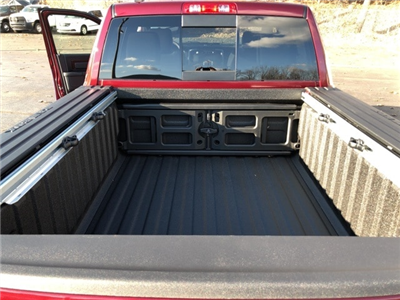 2018 Ram 1500 Crew Cab 4x4 Pickup #18046 - photo 23