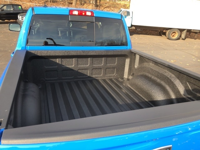 2018 Ram 1500 Crew Cab 4x4 Pickup #18063 - photo 8
