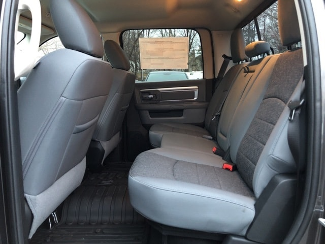 2018 Ram 1500 Crew Cab 4x4, Pickup #18092 - photo 17