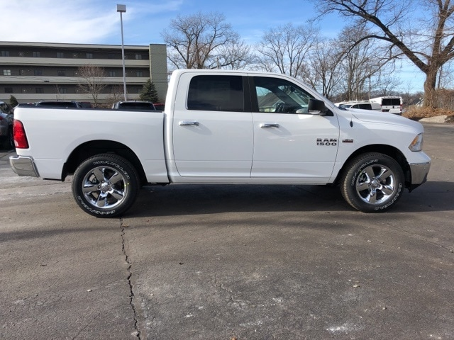 2018 Ram 1500 Crew Cab 4x4, Pickup #18136 - photo 7