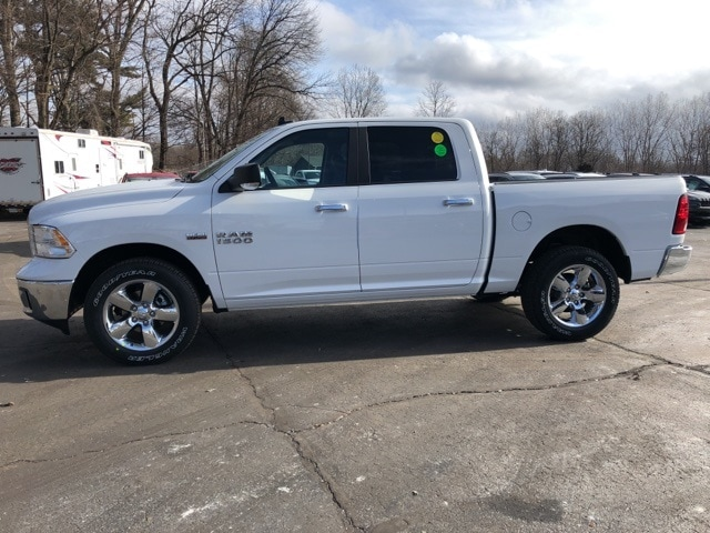 2018 Ram 1500 Crew Cab 4x4, Pickup #18136 - photo 3