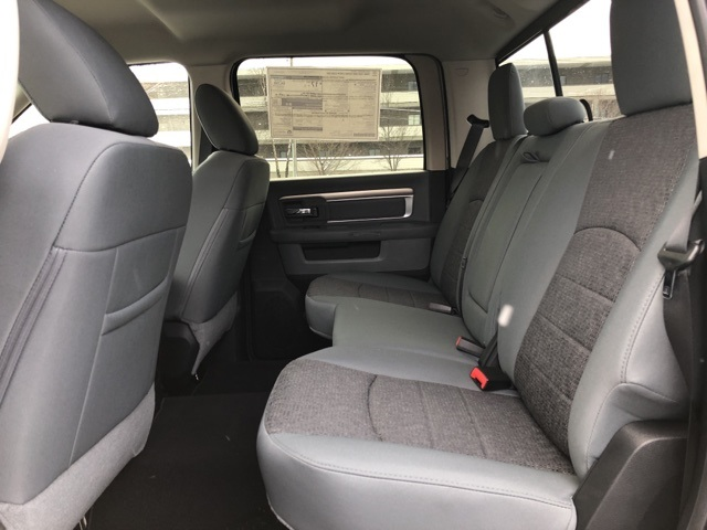 2018 Ram 1500 Crew Cab 4x4, Pickup #18139 - photo 19