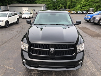 2018 Ram 1500 Crew Cab 4x4,  Pickup #18267 - photo 9