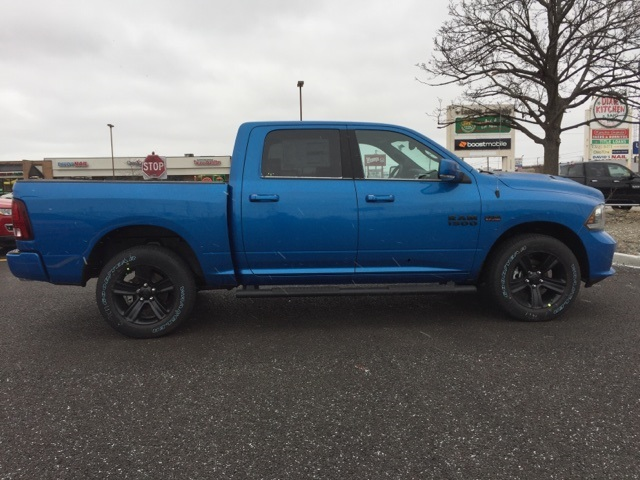2018 Ram 1500 Crew Cab 4x4 Pickup #D180364 - photo 6