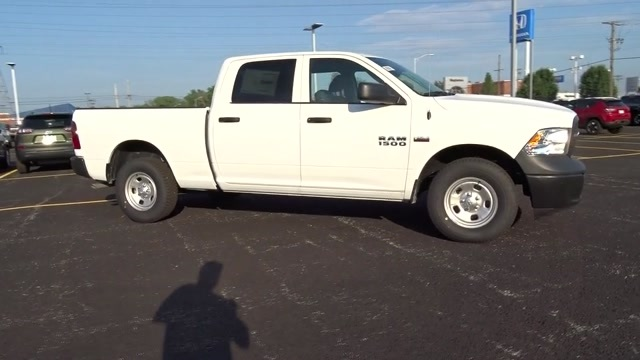 2018 Ram 1500 Crew Cab 4x4,  Pickup #D181017 - photo 38