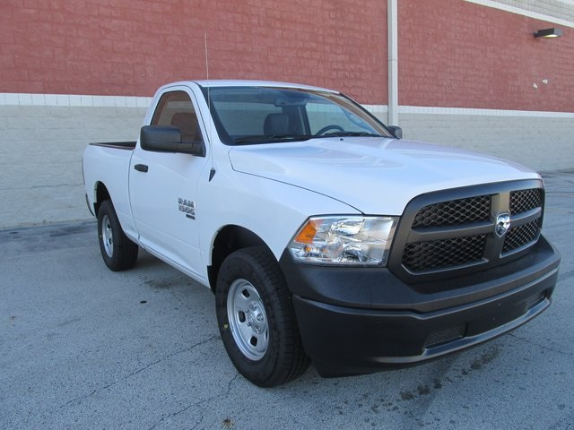 2019 Ram 1500 Regular Cab 4x4,  Pickup #D190241 - photo 3