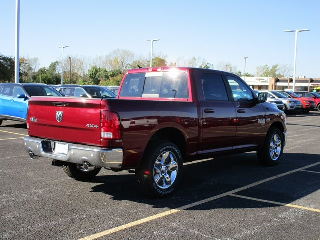 2019 Ram 1500 Crew Cab 4x4,  Pickup #D190276 - photo 7