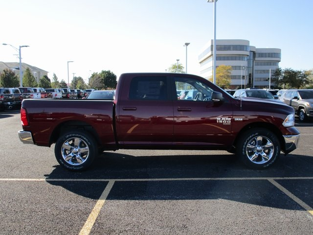 2019 Ram 1500 Crew Cab 4x4,  Pickup #D190276 - photo 8