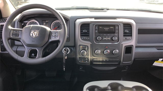 2019 Ram 1500 Crew Cab 4x4,  Pickup #D190312 - photo 9