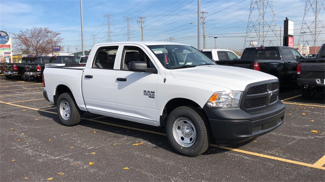 2019 Ram 1500 Crew Cab 4x4,  Pickup #D190312 - photo 1
