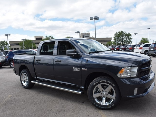 2017 Ram 1500 Crew Cab 4x4, Pickup #R1492 - photo 1