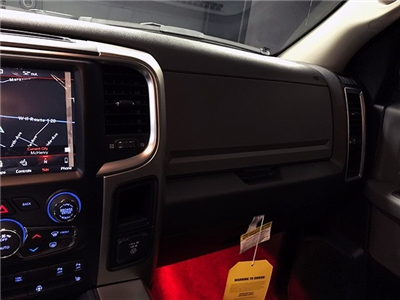 2018 Ram 1500 Crew Cab 4x4 Pickup #R1575LFT - photo 18