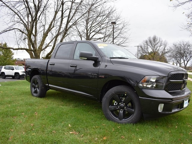 2018 Ram 1500 Crew Cab 4x4 Pickup #R1576 - photo 14