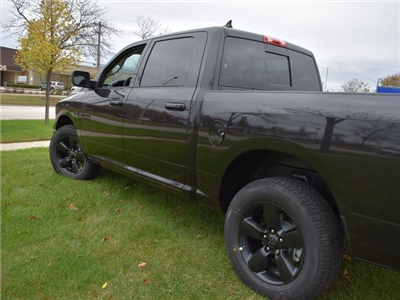 2018 Ram 1500 Crew Cab 4x4 Pickup #R1576 - photo 9