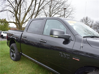 2018 Ram 1500 Crew Cab 4x4 Pickup #R1576 - photo 15