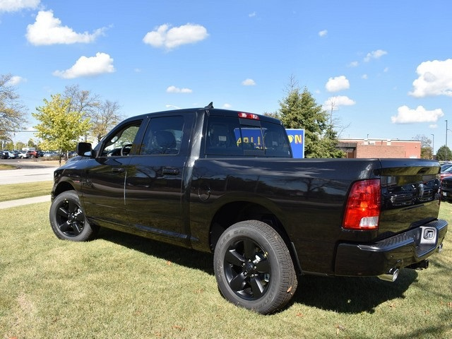2018 Ram 1500 Crew Cab 4x4, Pickup #R1581 - photo 9