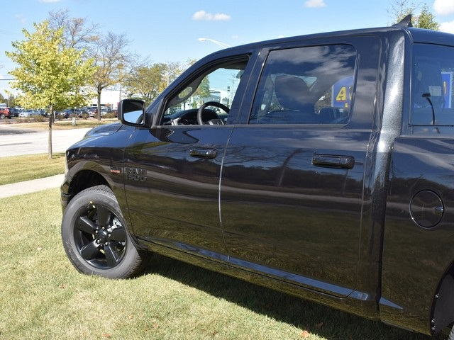 2018 Ram 1500 Crew Cab 4x4, Pickup #R1581 - photo 10