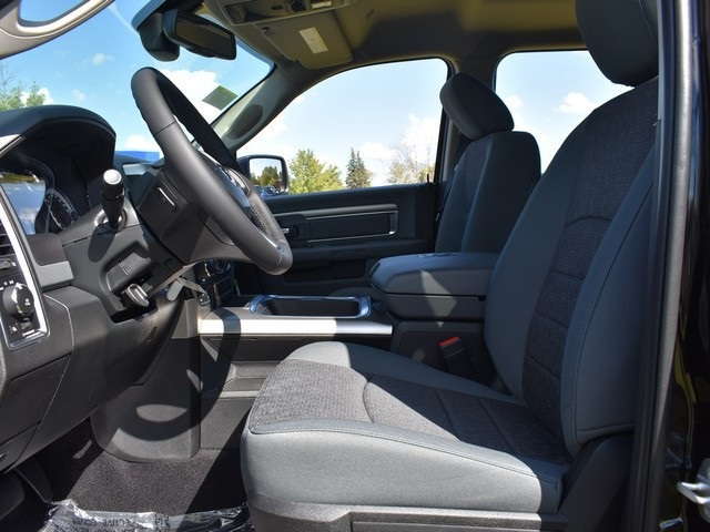 2018 Ram 1500 Crew Cab 4x4, Pickup #R1581 - photo 20