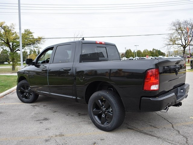 2018 Ram 1500 Crew Cab 4x4, Pickup #R1582 - photo 10