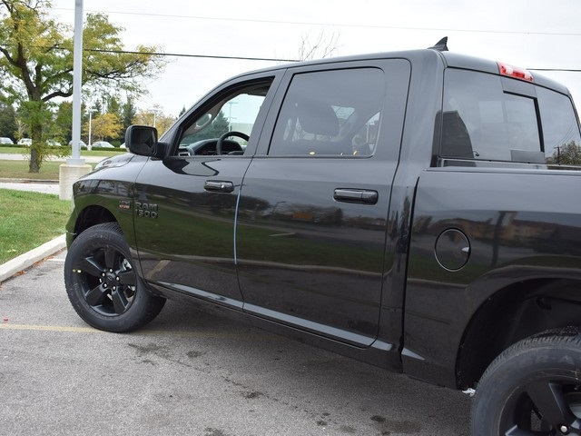2018 Ram 1500 Crew Cab 4x4, Pickup #R1582 - photo 11