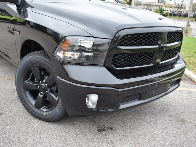 2018 Ram 1500 Crew Cab 4x4, Pickup #R1582 - photo 3