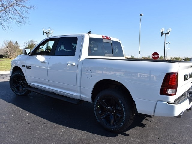 2018 Ram 1500 Crew Cab 4x4 Pickup #R1596 - photo 9
