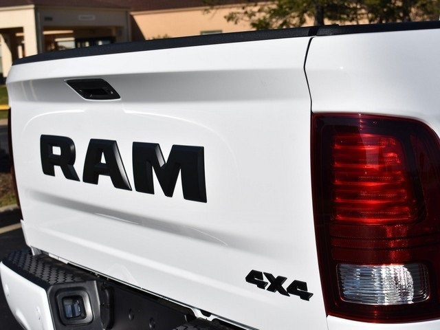 2018 Ram 1500 Crew Cab 4x4 Pickup #R1596 - photo 7