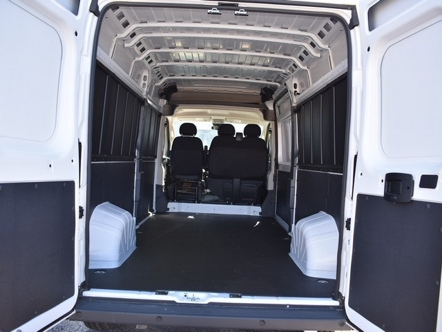 2018 ProMaster 2500 High Roof, Cargo Van #R1682 - photo 8
