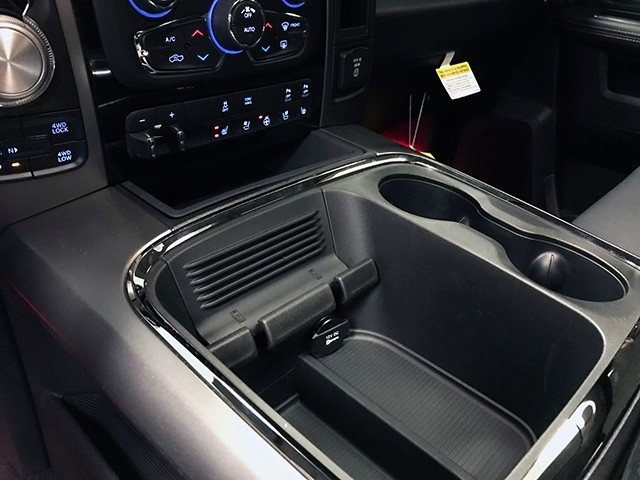 2018 Ram 1500 Crew Cab 4x4,  Pickup #R1705LFT - photo 21