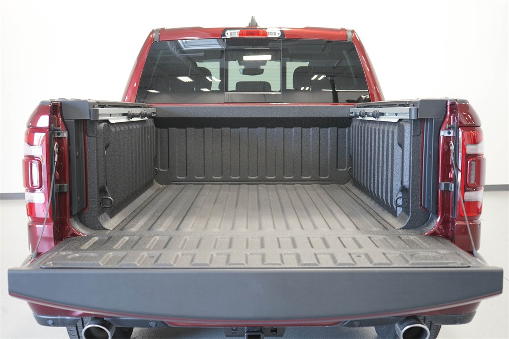 2020 Ram 1500 Crew Cab 4x4, Pickup #R2546 - photo 9