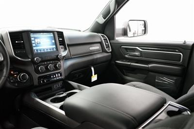 2021 Ram 1500 Crew Cab 4x4, Pickup #R2812 - photo 18
