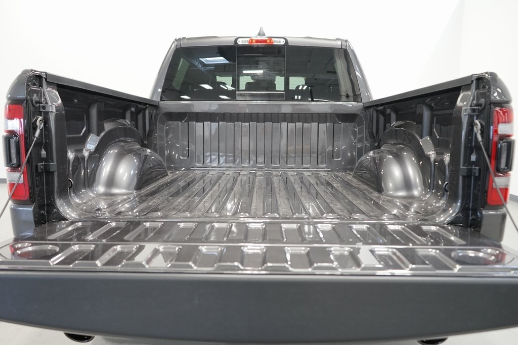 2021 Ram 1500 Crew Cab 4x4, Pickup #R2826 - photo 8