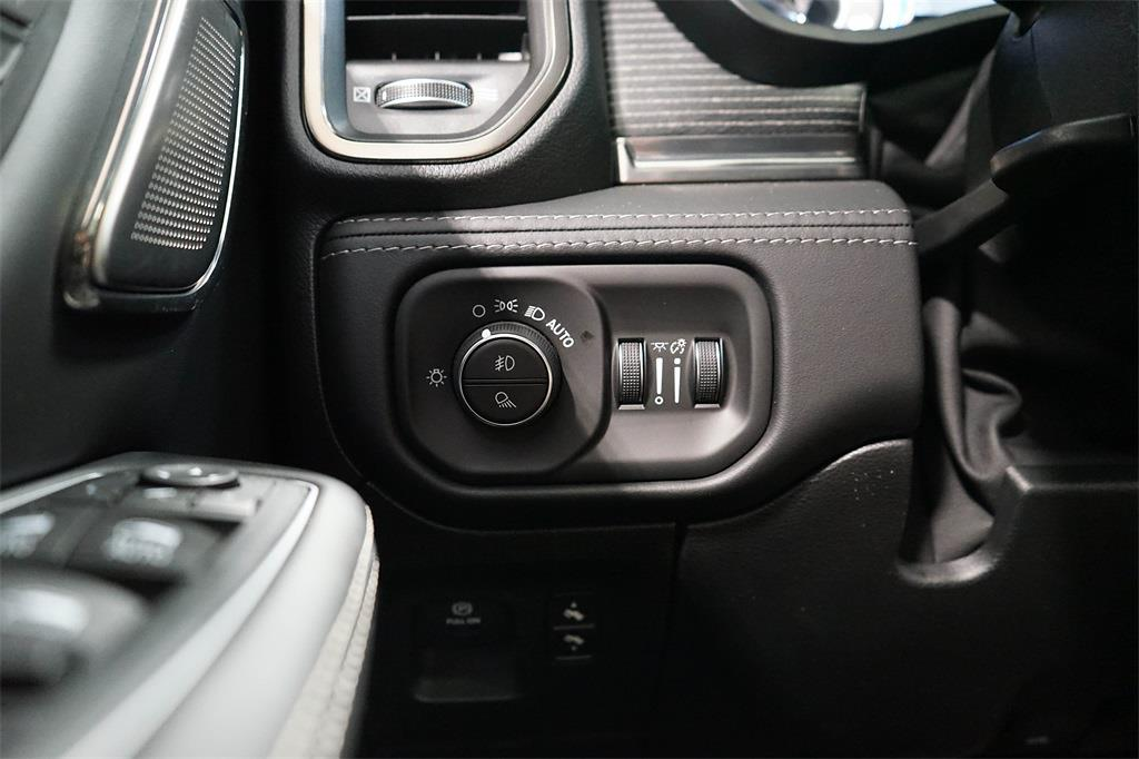 2021 Ram 1500 Crew Cab 4x4, Pickup #R2882 - photo 22