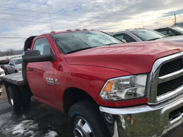 2018 Ram 3500 Regular Cab DRW 4x4,  Platform Body #362965 - photo 4