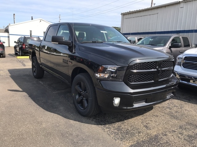 2018 Ram 1500 Crew Cab 4x4 Pickup #W8016 - photo 3