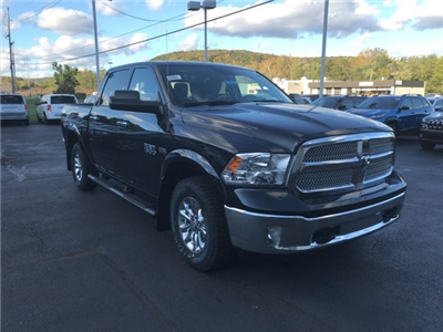 2018 Ram 1500 Crew Cab 4x4 Pickup #W8032 - photo 1